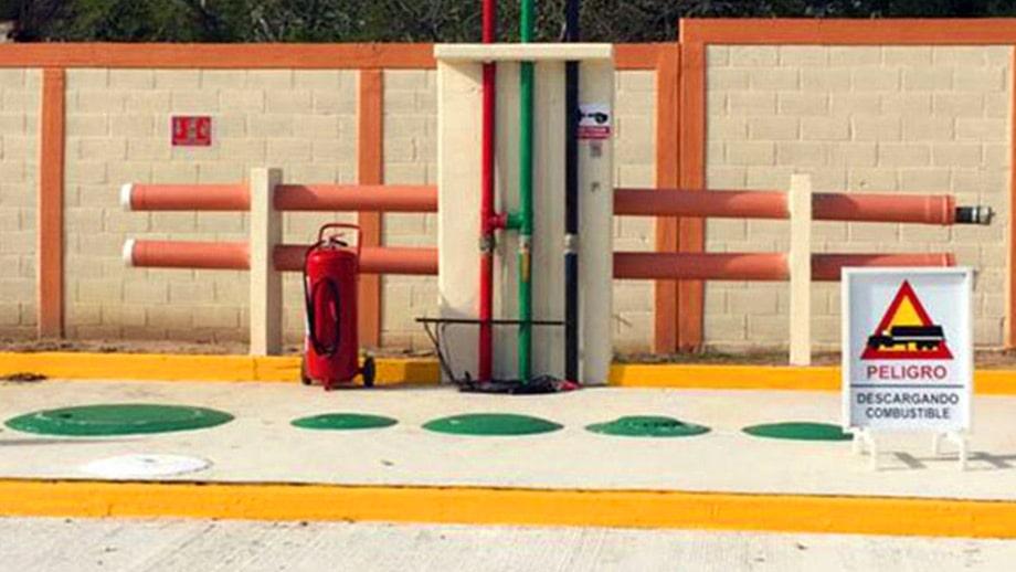 contenedores de gasolina playa catazaja